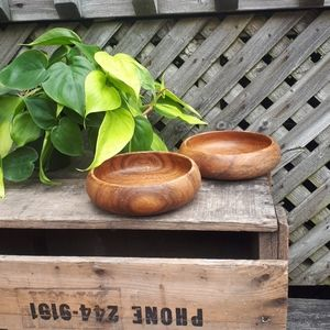 Set of two wood bowls